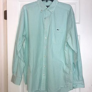 Very gently used vineyard vines button down - L